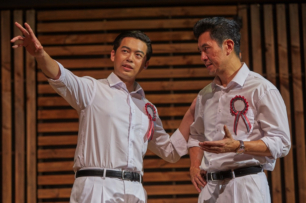 Benjamin Chow and Adrian Pang in The LKY Musical  2015 1